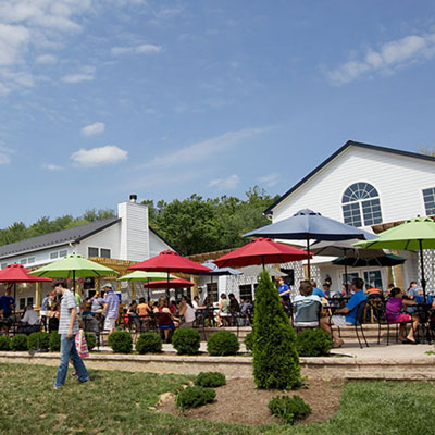 outdoor patio at Blue Mountain Brewery